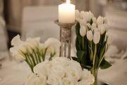 στολισμο γάμου με λευκα λουλουδια